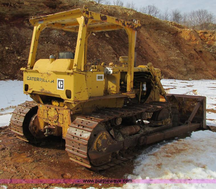 1974 Caterpillar D5 dozer | Item G8792 | SOLD! April 24 Cons