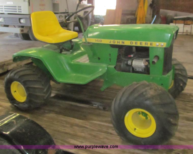 1972 john deere 140 lawn tractor item aq9867 sold may for Lawn tractor motors for sale