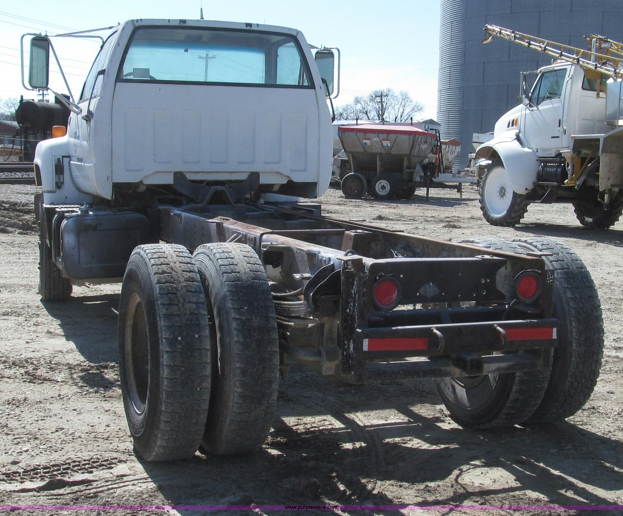 1991 chevrolet kodiak truck cab and chassis full size in new window
