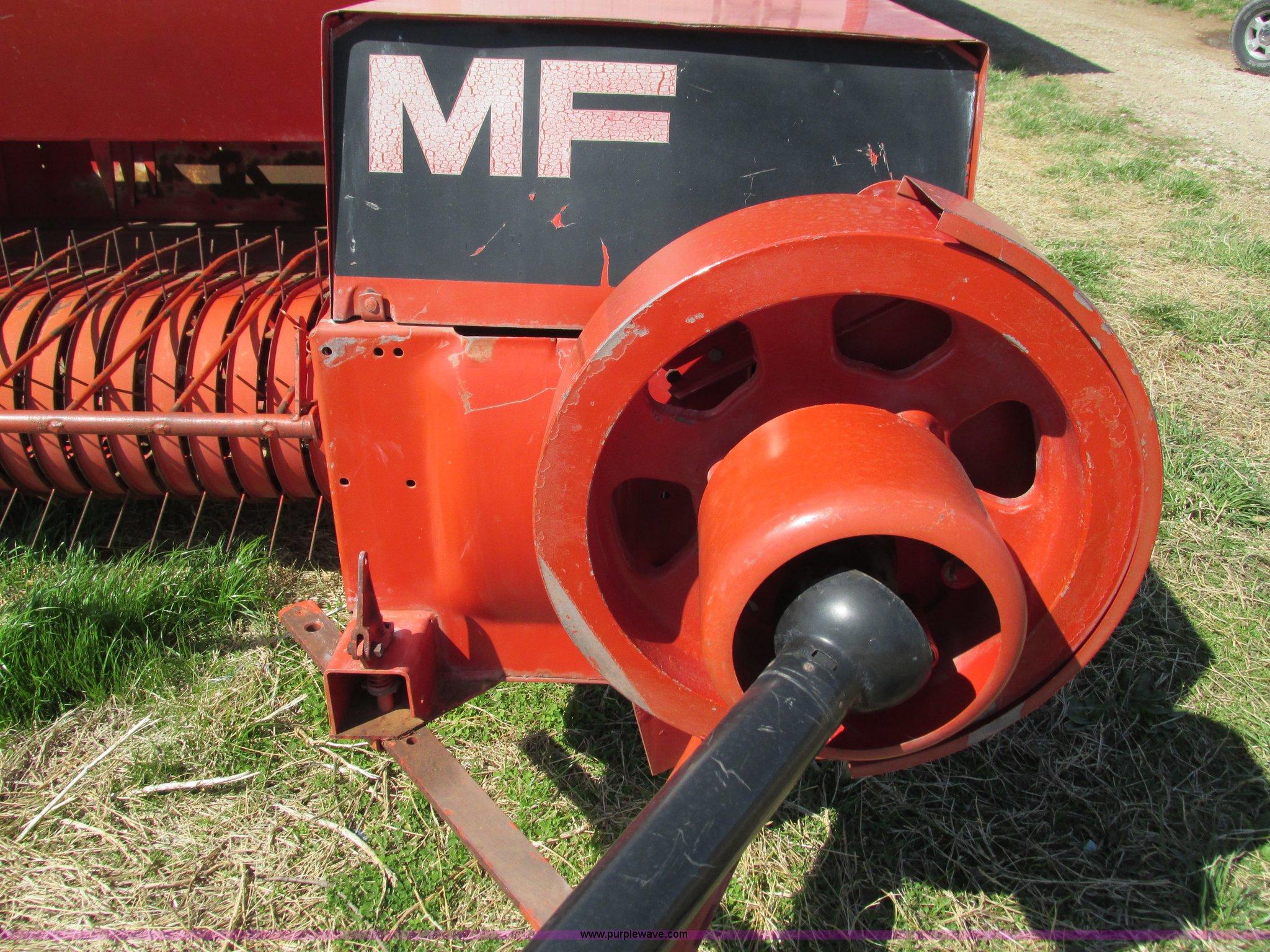 ... Massey-Ferguson MF130 small square baler Full size in new window ...