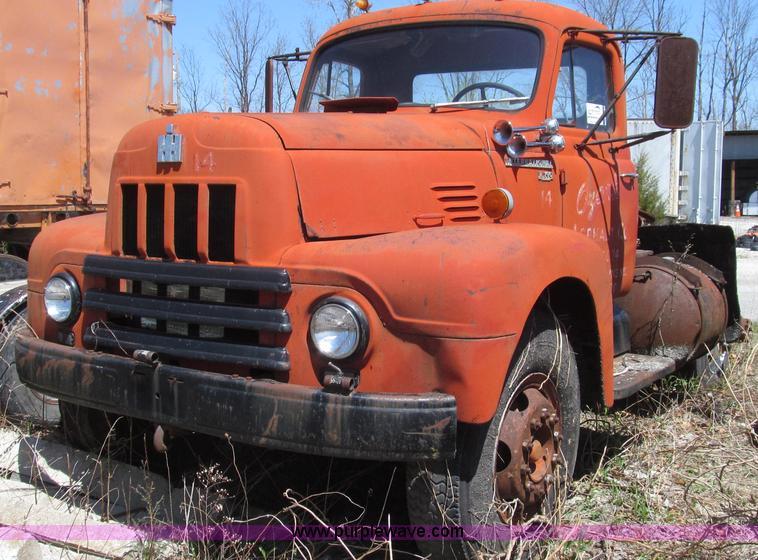 1959 international r190 series 195a semi truck item g2351. Black Bedroom Furniture Sets. Home Design Ideas