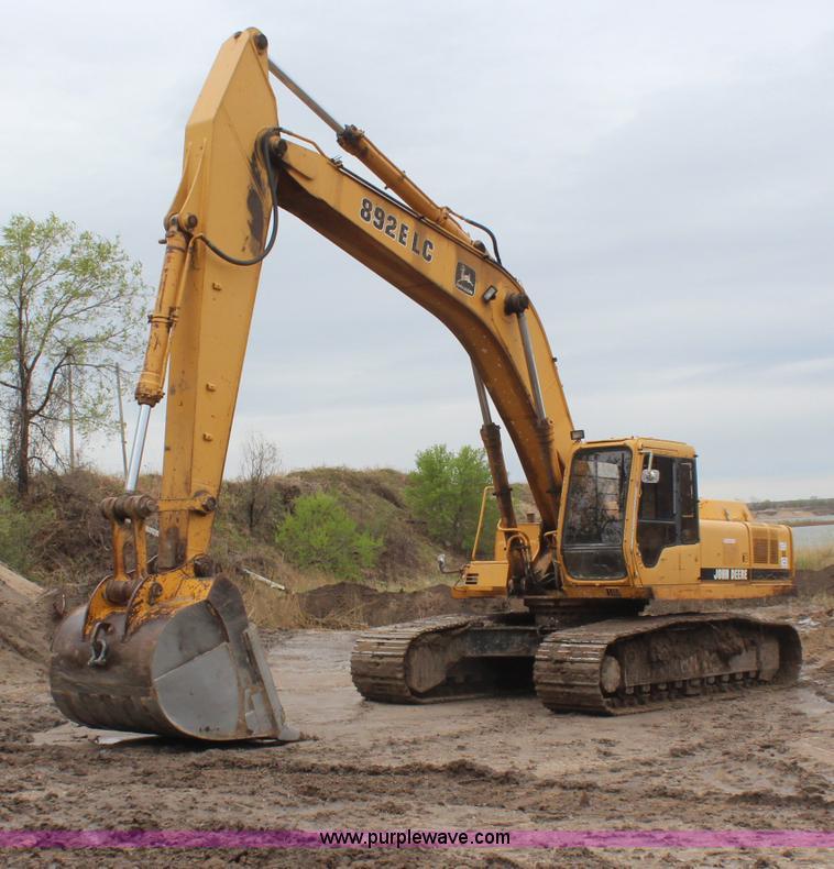 1996 John Deere 892E LC excavator | Item H6106 | SOLD! May 1