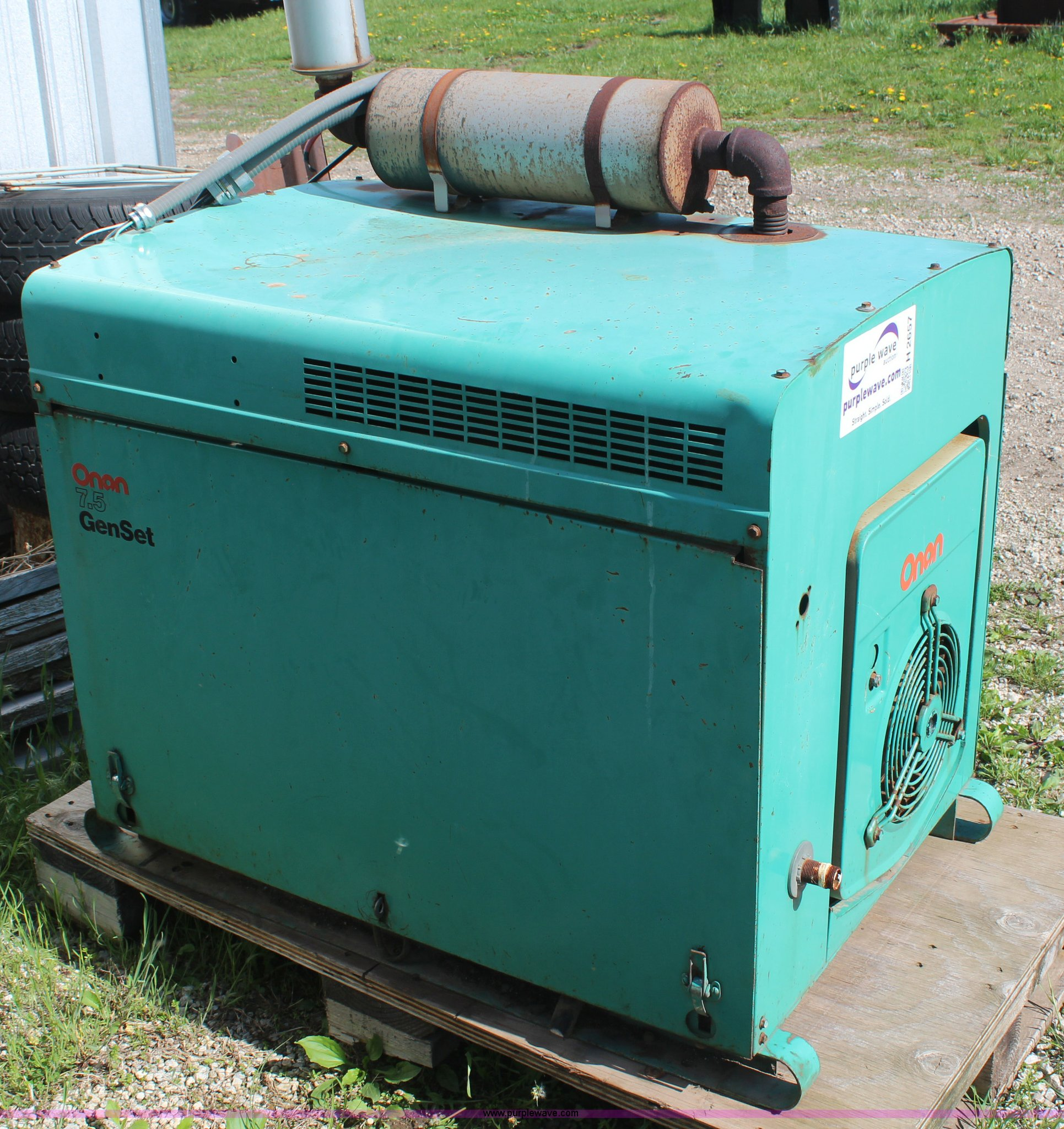 an 7 5 kW generator with transfer switch Item H2657
