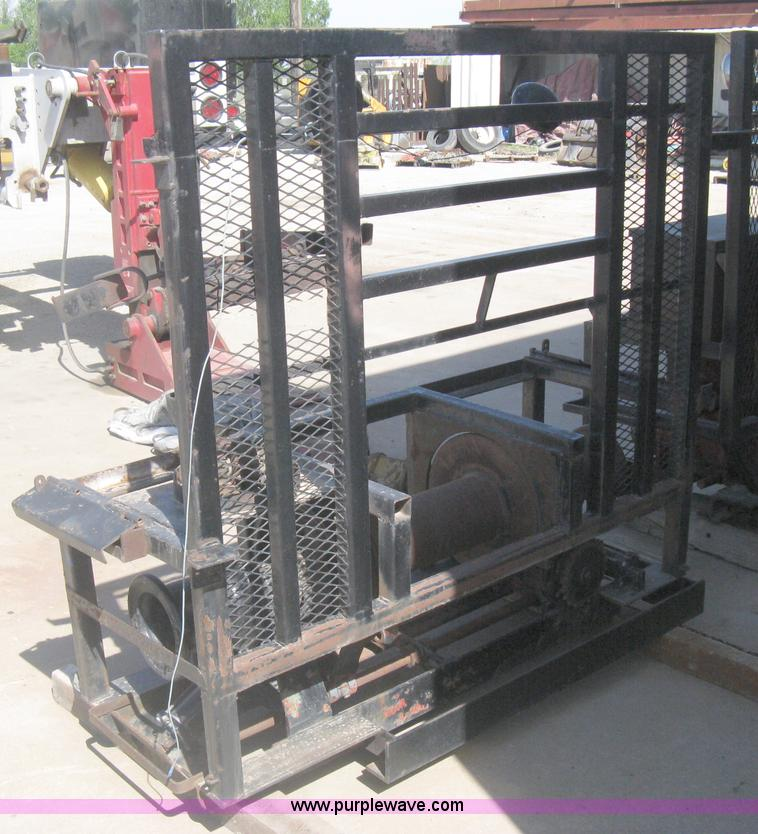 Tulsa 34 cable winch | Item AS9241 | SOLD! May 29 Constructi