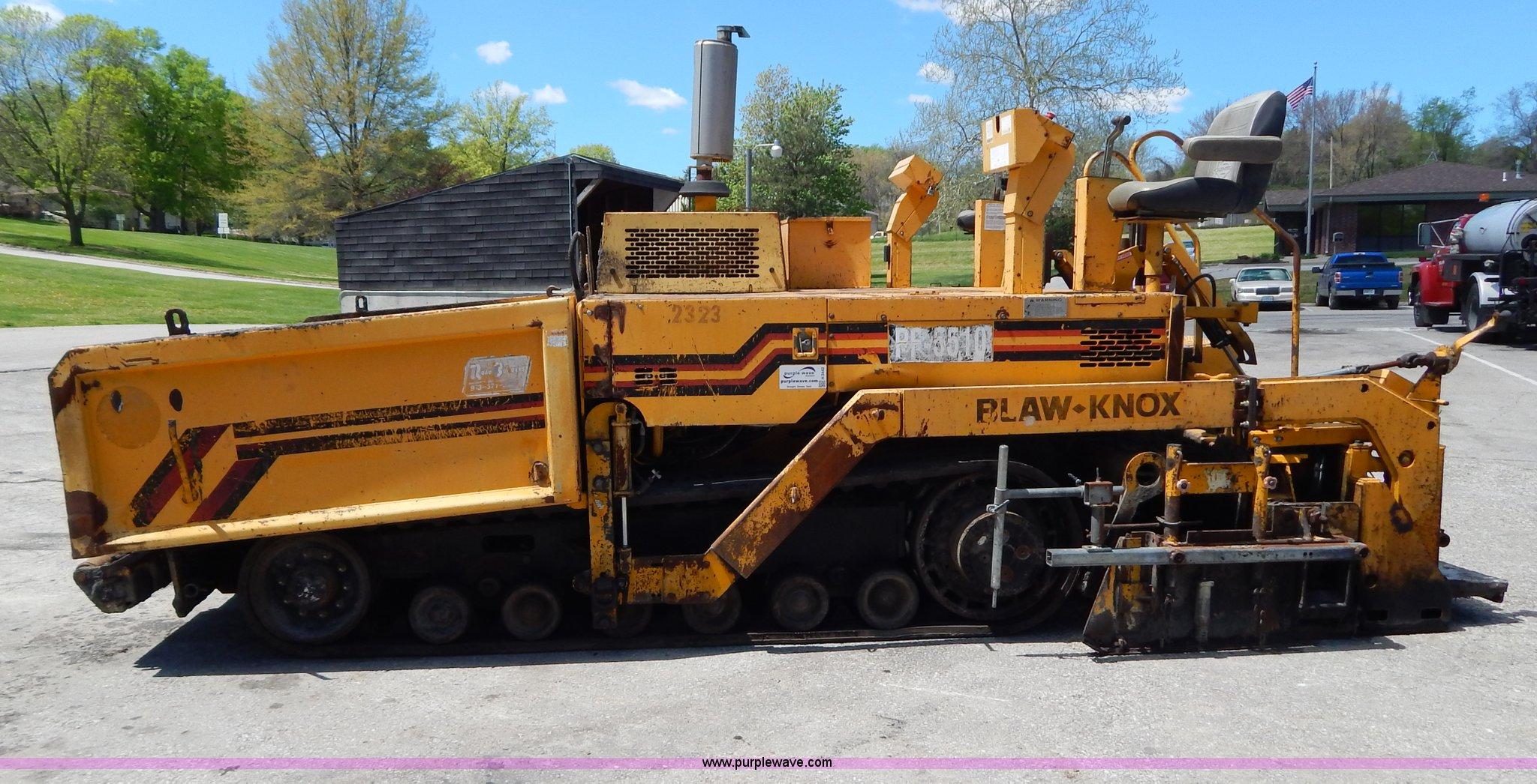 ... Blaw-Knox PF5510 crawler asphalt paver Full size in new window ...