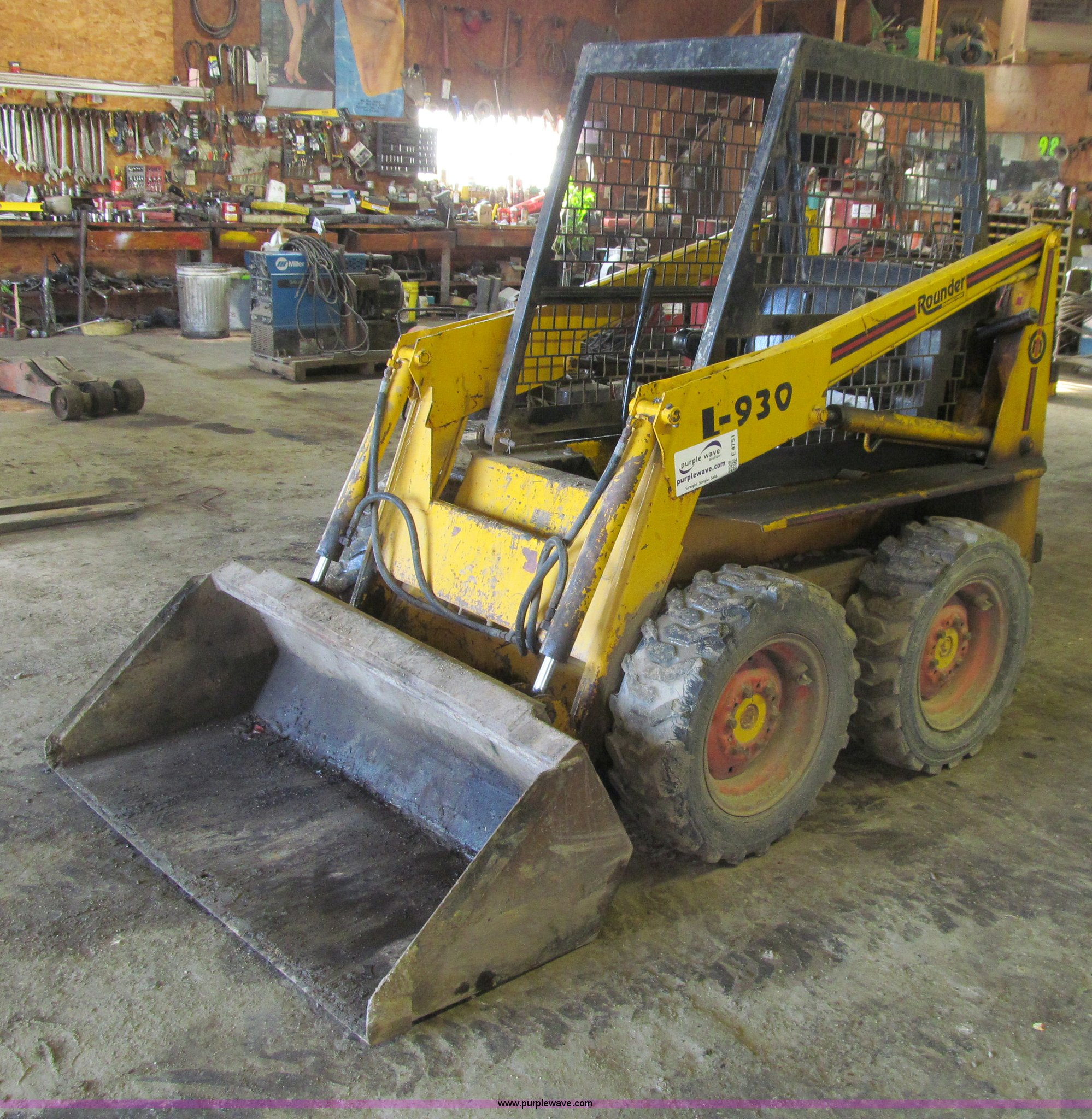 ... Prime Mover L930 Rounder skid steer Full size in new window ...