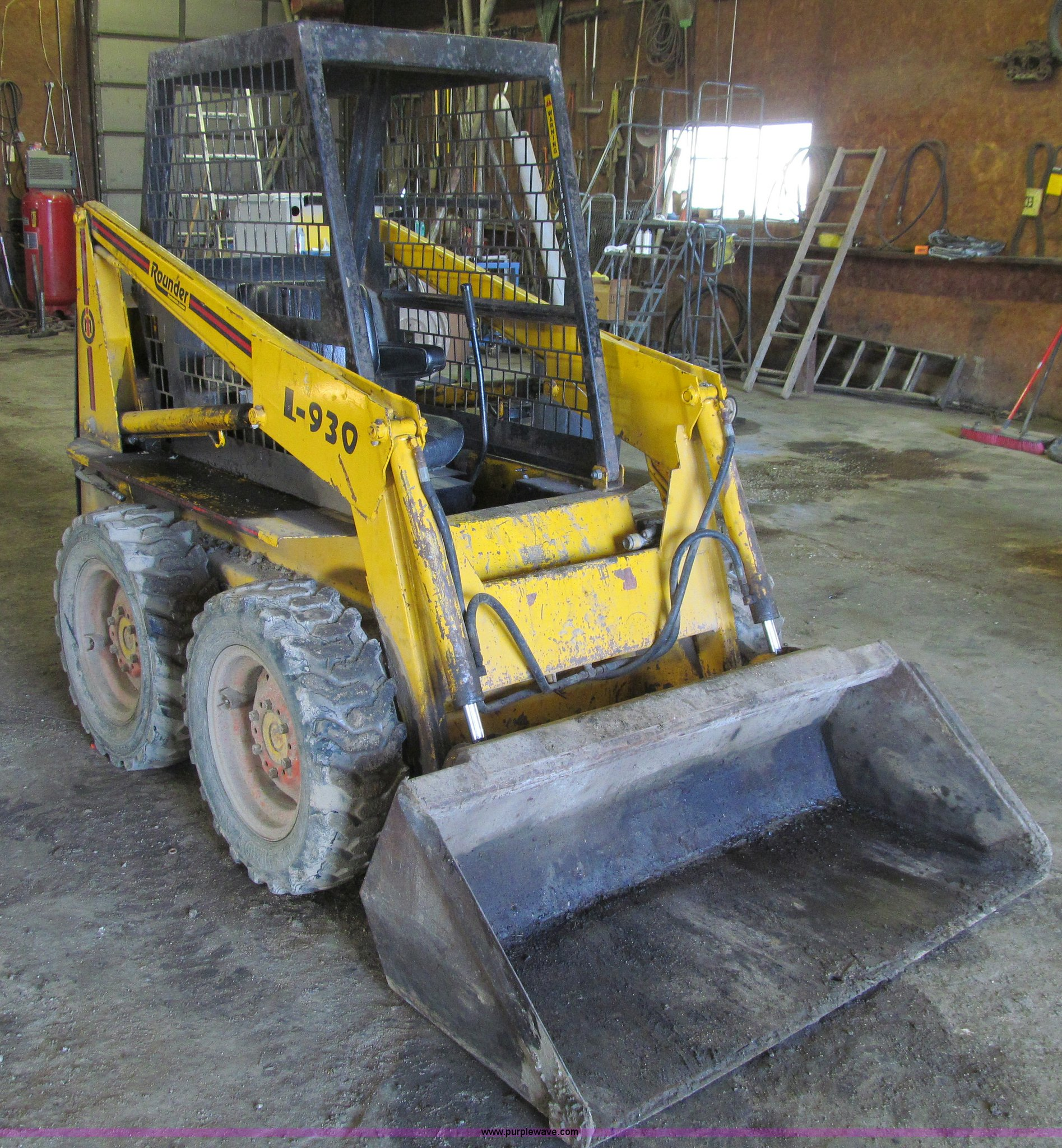 ... Prime Mover L930 Rounder skid steer Full size in new window