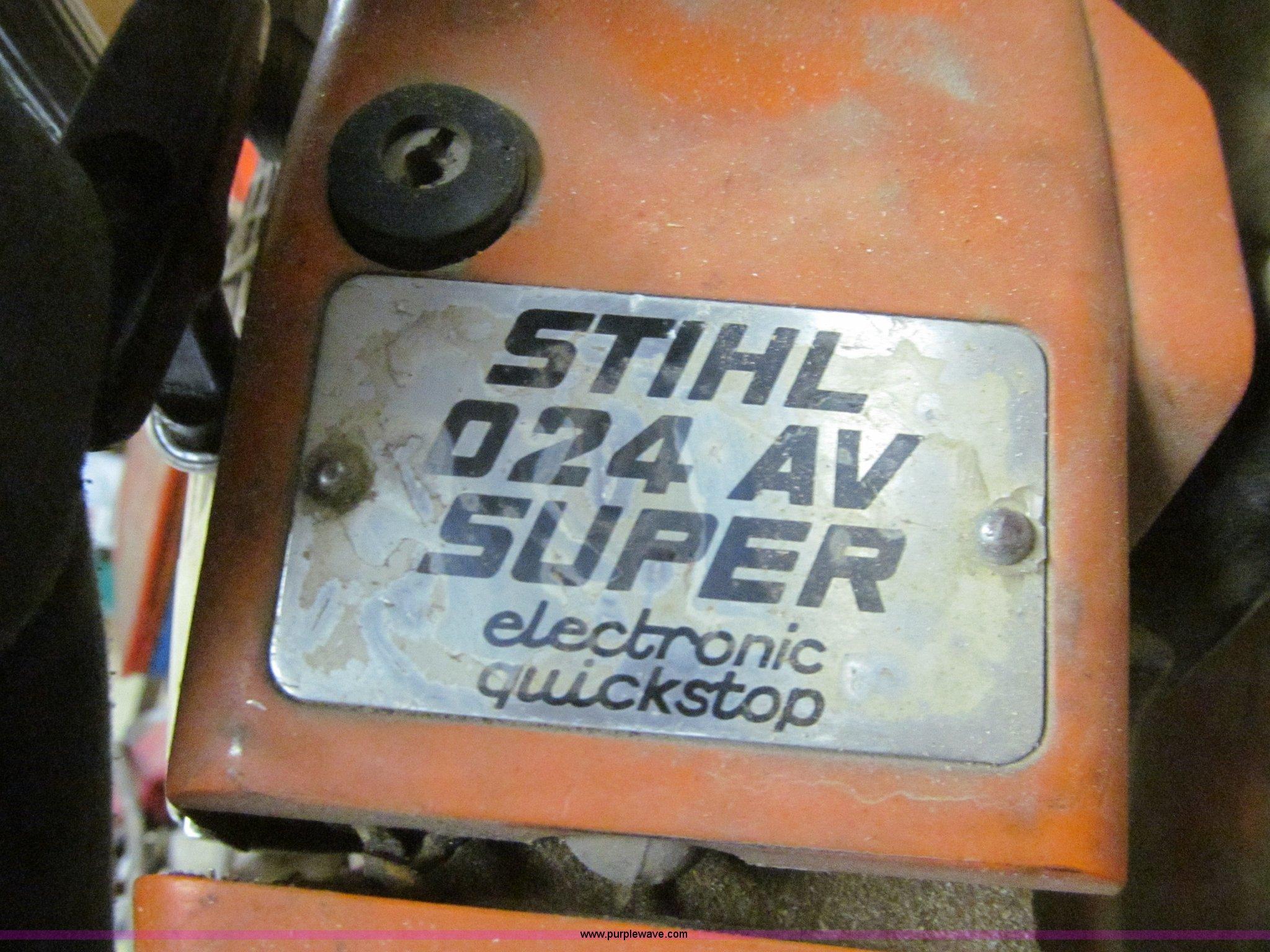 Stihl 024 AV chainsaw   Item E4786   SOLD! May 29 Kemp and S