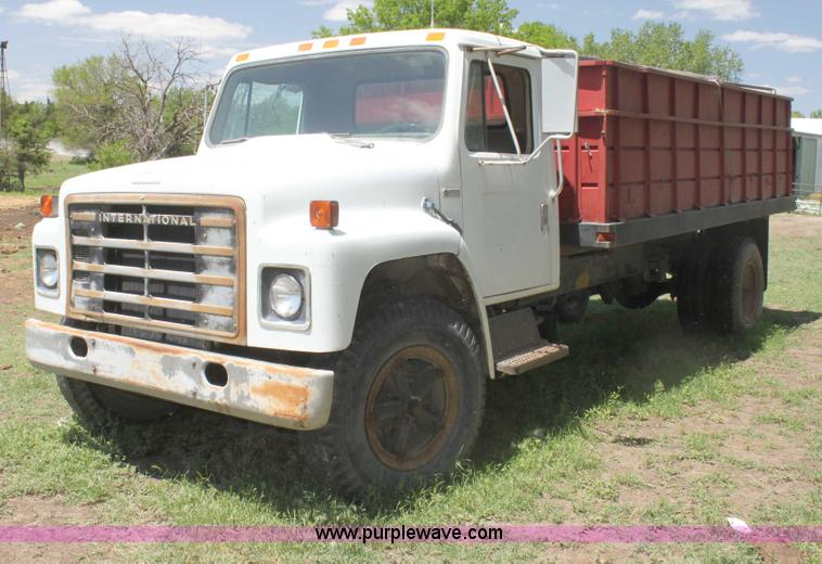 I7430 1981 international s1700 grain truck item i7430 sold! ju international s1900 wiring diagram at bayanpartner.co
