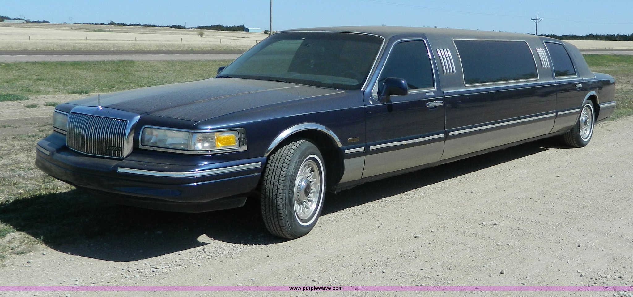 1997 Lincoln Town Car Executive Limousine Item Al9991 So