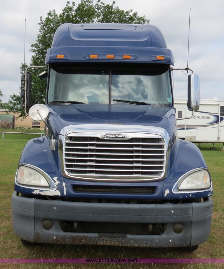 2007 Freightliner Columbia Heritage Edition semi truck | Ite