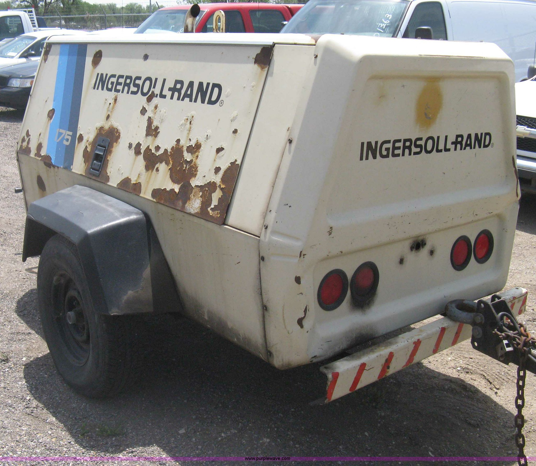 ... Ingersoll Rand P175WJD mobile compressor Full size in new window ...