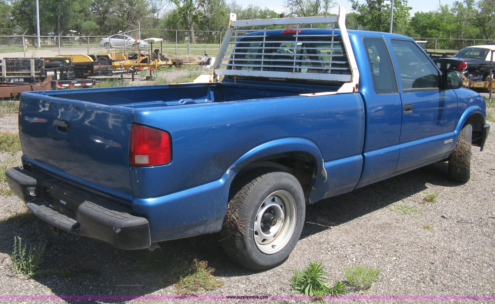 2001 Chevy S10 Ext Cab Pickup Truck Item As9220 Sold J Headache Rack Full Size In New Window