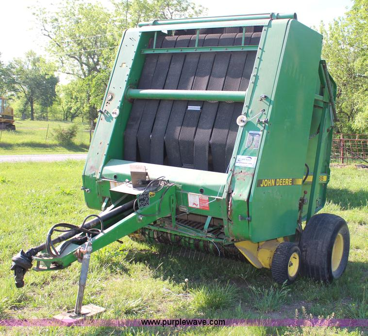 1990 John Deere 535 round baler | Item H2528 | SOLD! June 25