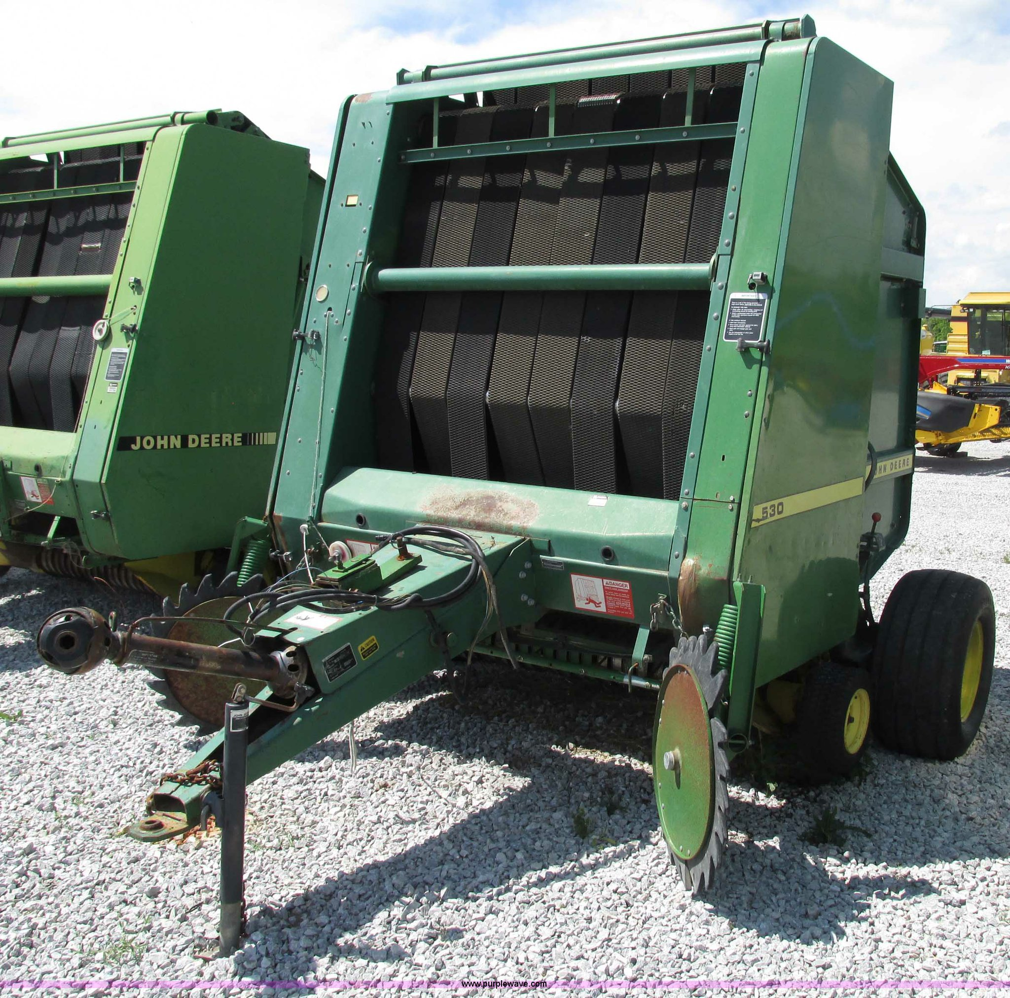 1988 John Deere 530 round baler | Item F7395 | SOLD! June 25