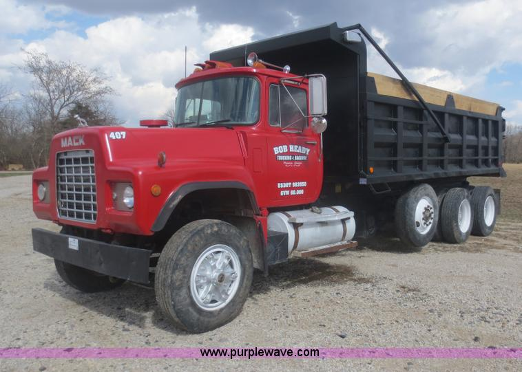 1990 mack rd690s dump truck item f8227 sold june 26 con rh purplewave com Mack RD690S Hood 1995 Mack RD690S Engine