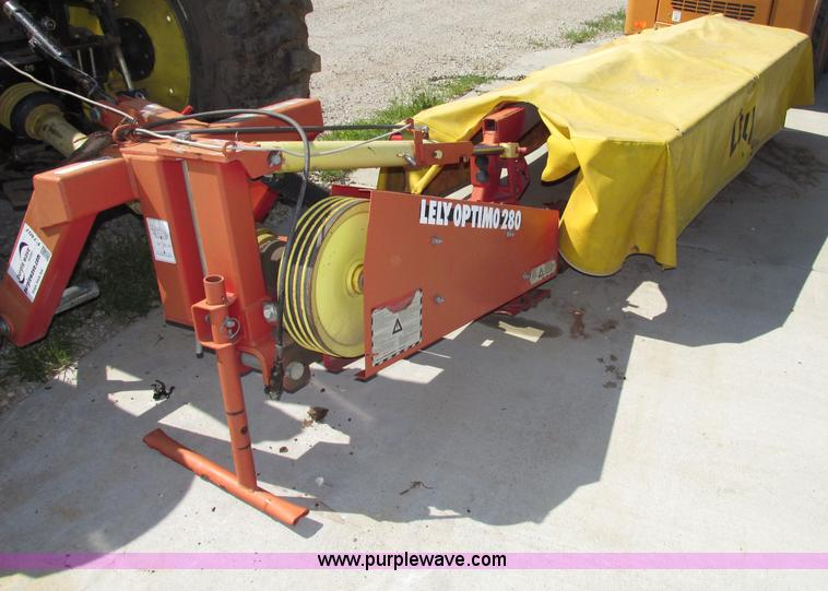Lely Optimo 280 9' disc mower | Item F7407 | SOLD! July 16