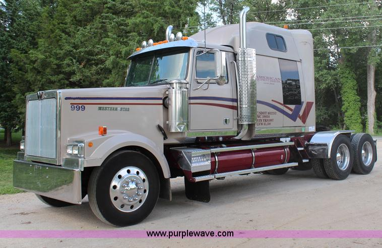 2000 western star 4900ex semi truck item h2512 sold jul h2512 image for item h2512 2000 western star 4900ex semi truck publicscrutiny Image collections