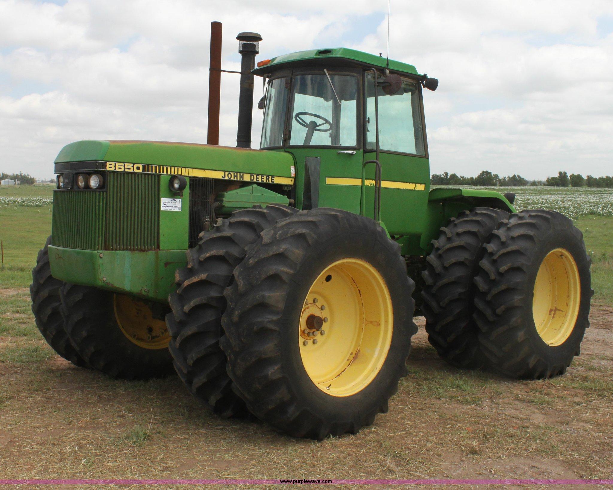 I7334 image for item I7334 1988 John Deere 8650 4WD tractor
