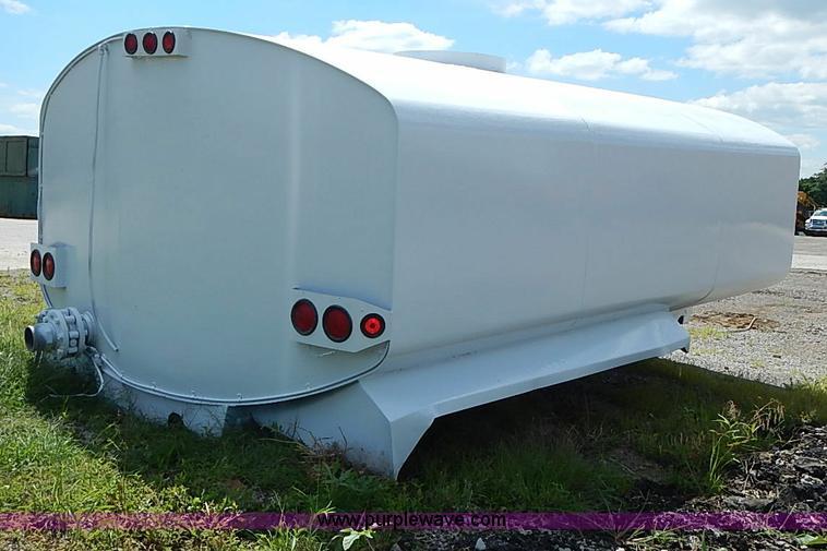 United 4,000 gallon water truck tank   Item I3563   SOLD! Ju