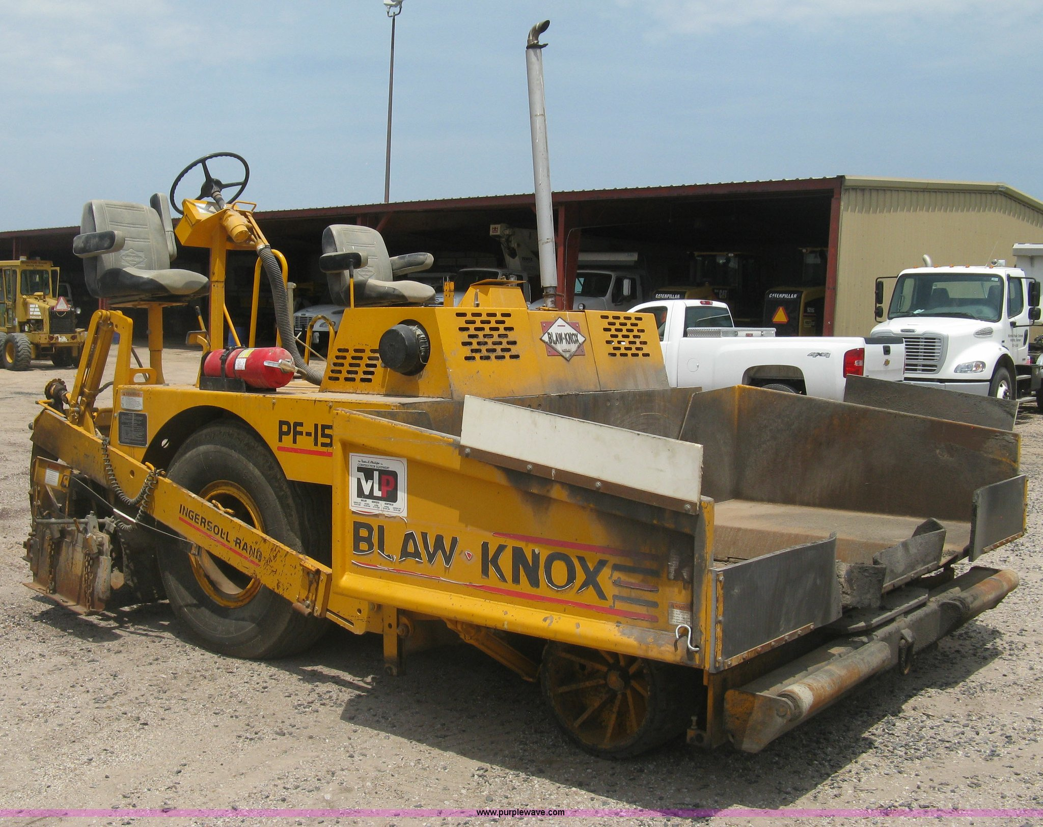 H5364 image for item H5364 2001 Blaw-Knox PF150 paver