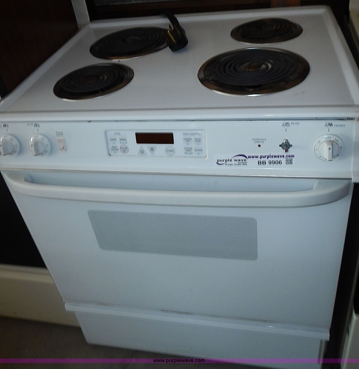 Kitchen appliances   Item BB9906   SOLD! August 5 Government...