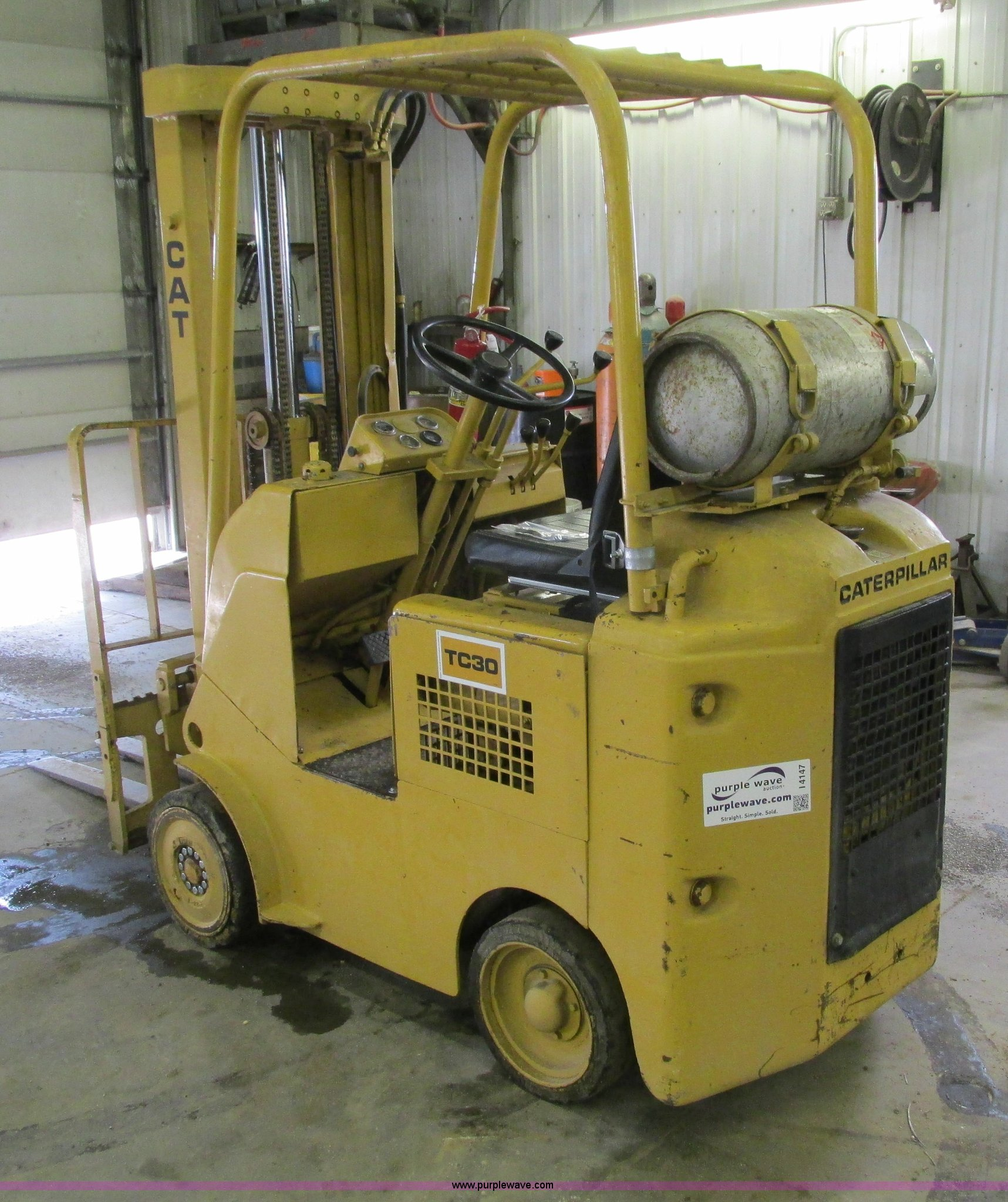 Caterpillar TC30 forklift | Item I4147 | SOLD! August 6 Vehi