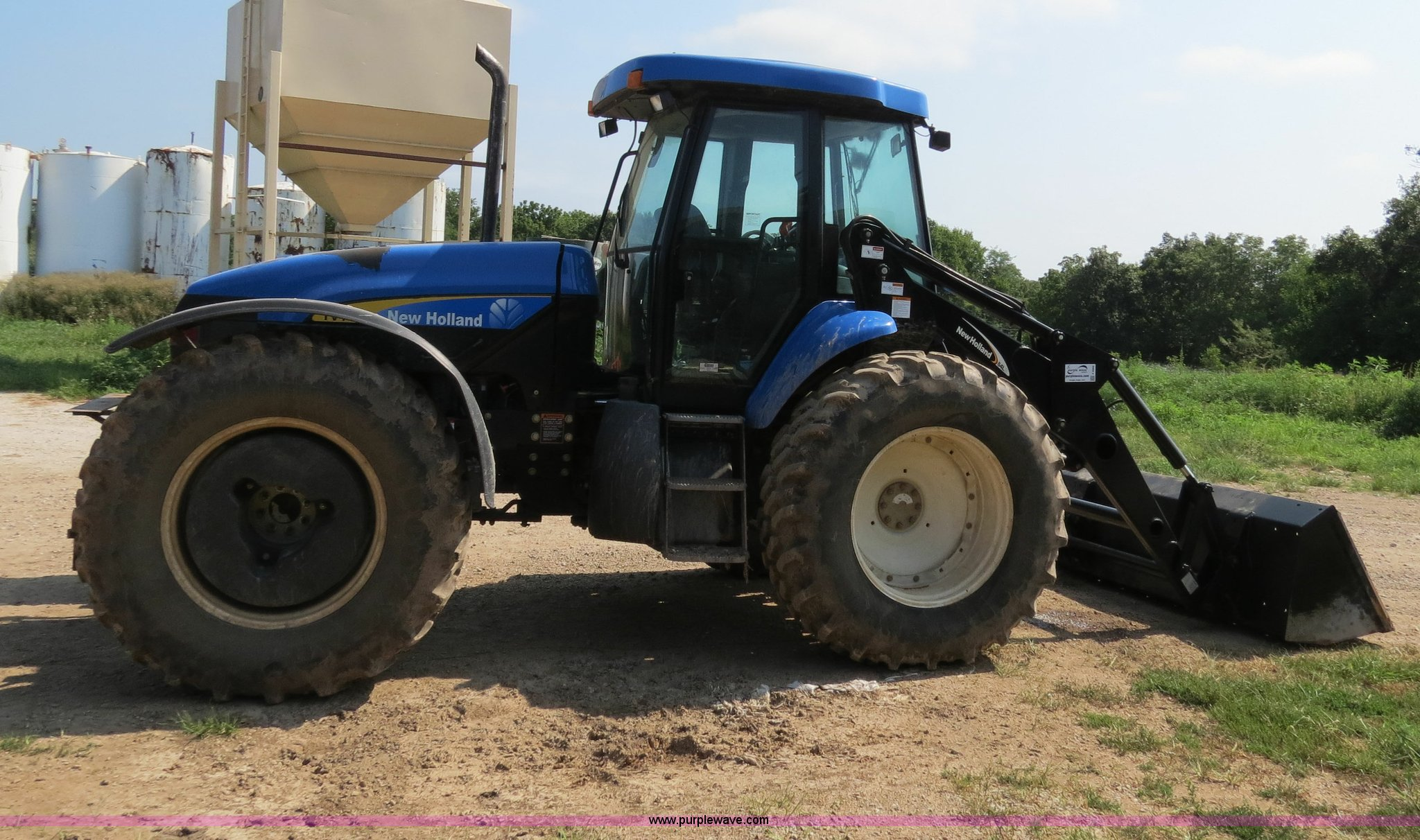 ... Holland TV145 MFWD bi-directional tractor Full size in new window ...
