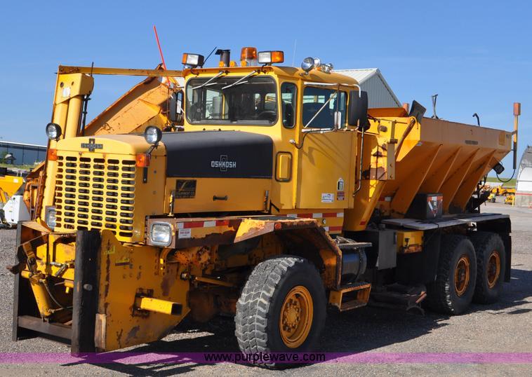 1998 Oshkosh Pa 2346 Snow Plow Spreader Truck Item F2051