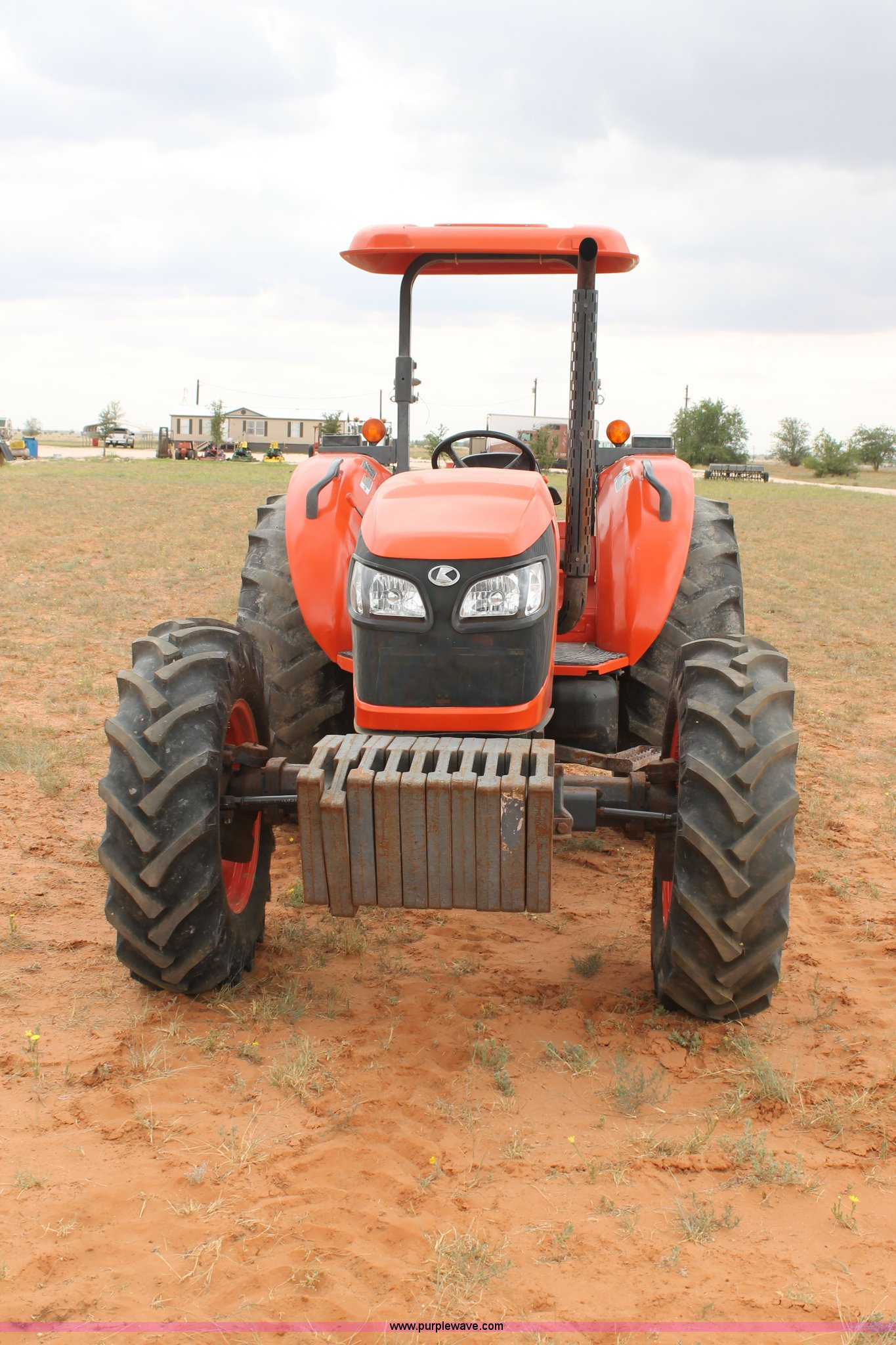 ... Kubota M9540 MFWD tractor Full size in new window ...