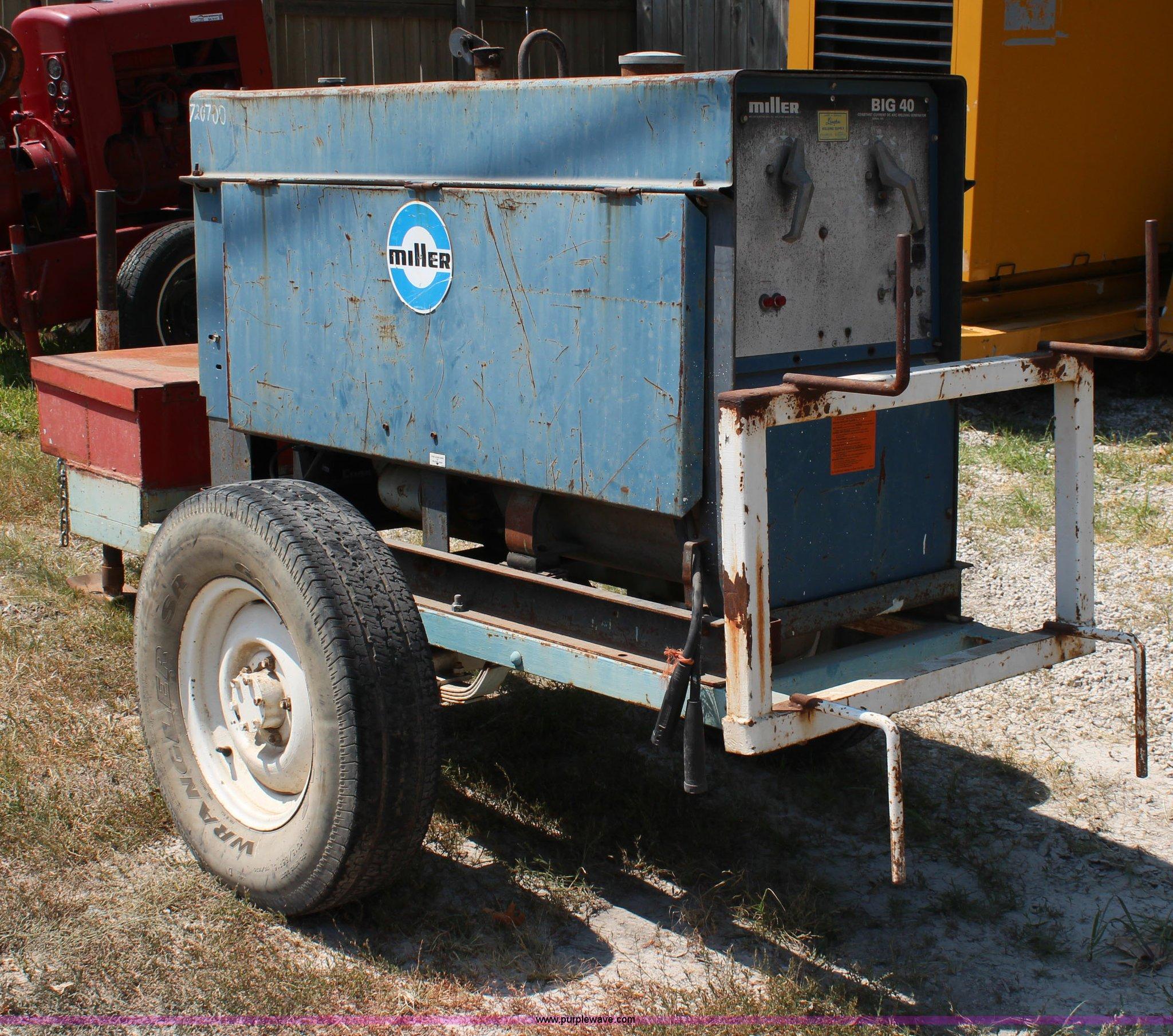 Miller Big 40 welder | Item BA9148 | SOLD! August 20 Vehicle