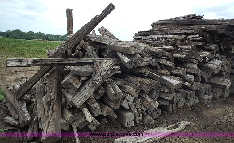 Approximately 1,800 used railroad ties | Item BA9689 | SOLD!