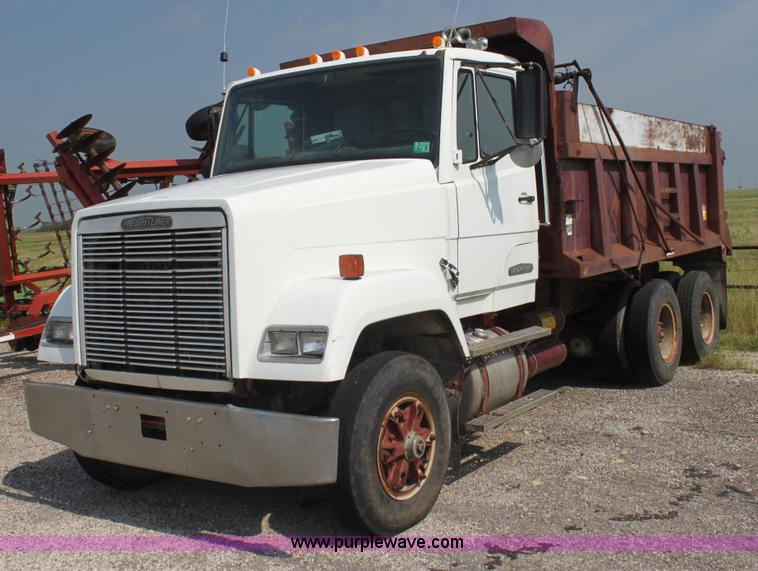 Freightliner Trucks For Sale >> 1989 Freightliner dump truck | no-reserve auction on ...