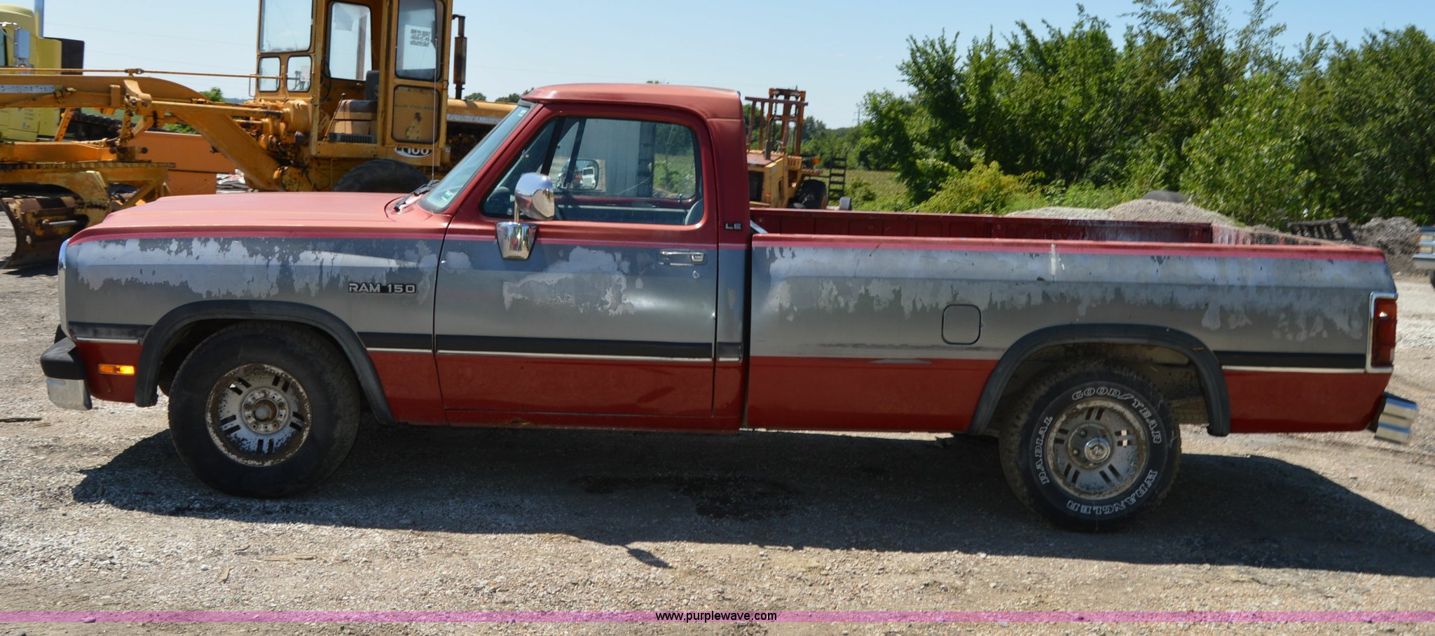 1992 dodge d150 le pickup truck full size in new window