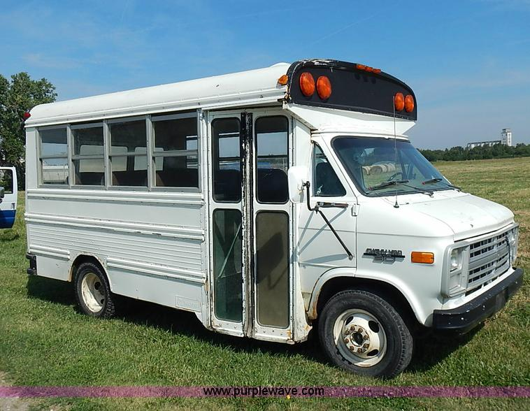 1991 Chevrolet G30 bus | Item I3544 | SOLD! September 9 Gove