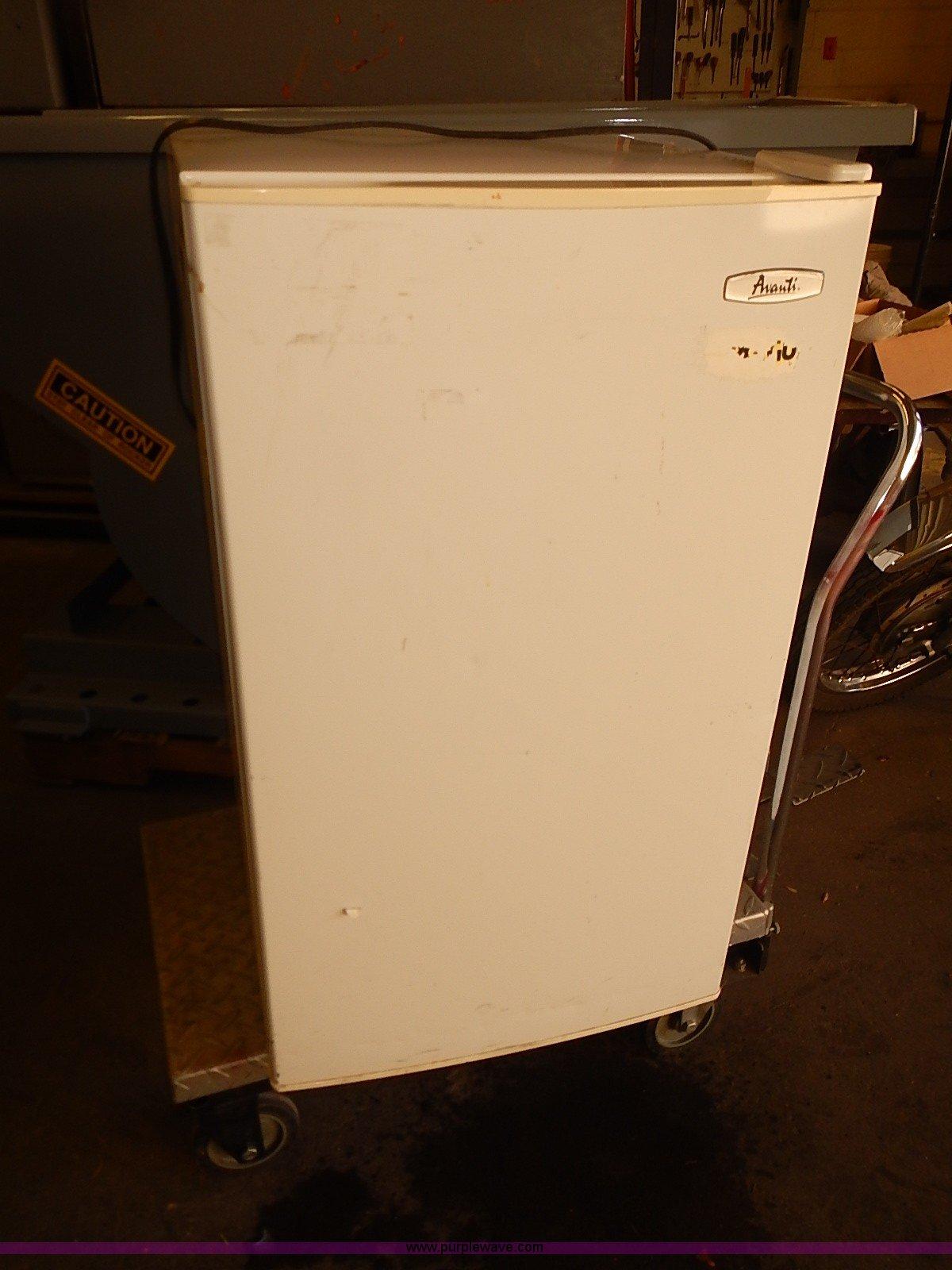 Avanti 440yw Mini Refrigerator And Freezer Item Ba9624 S Wiring Diagram Full Size In New Window