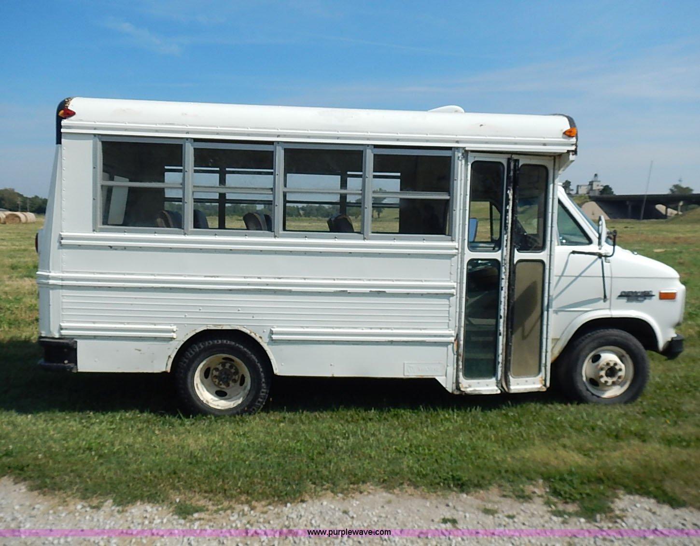 1991 chevrolet g30 bus full size in new window