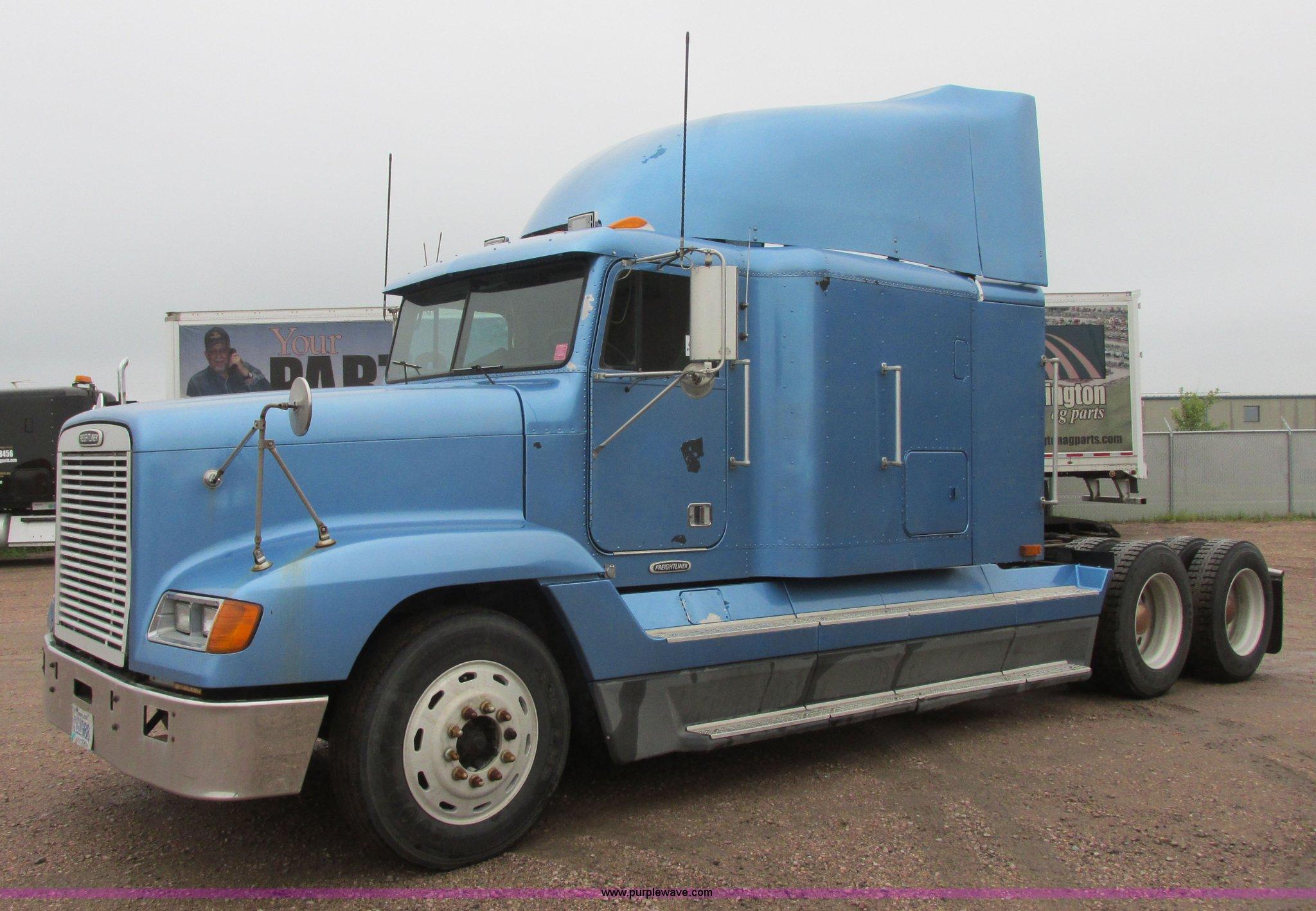 I6196 image for item I6196 1998 Freightliner FLD120 ...