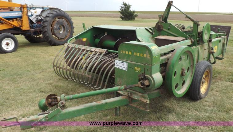 John Deere 24T square baler | Item H9178 | SOLD! September 2