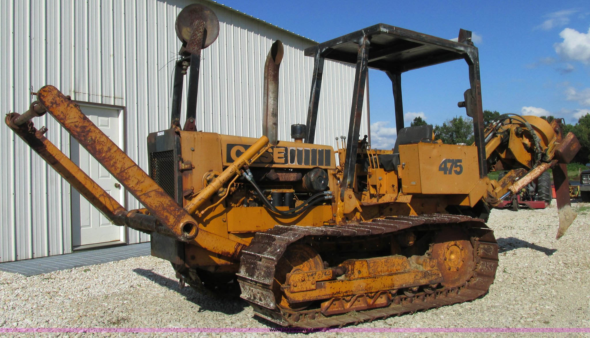 1972 Case 475 vibratory cable plow | Item AW9976 | SOLD! Sep