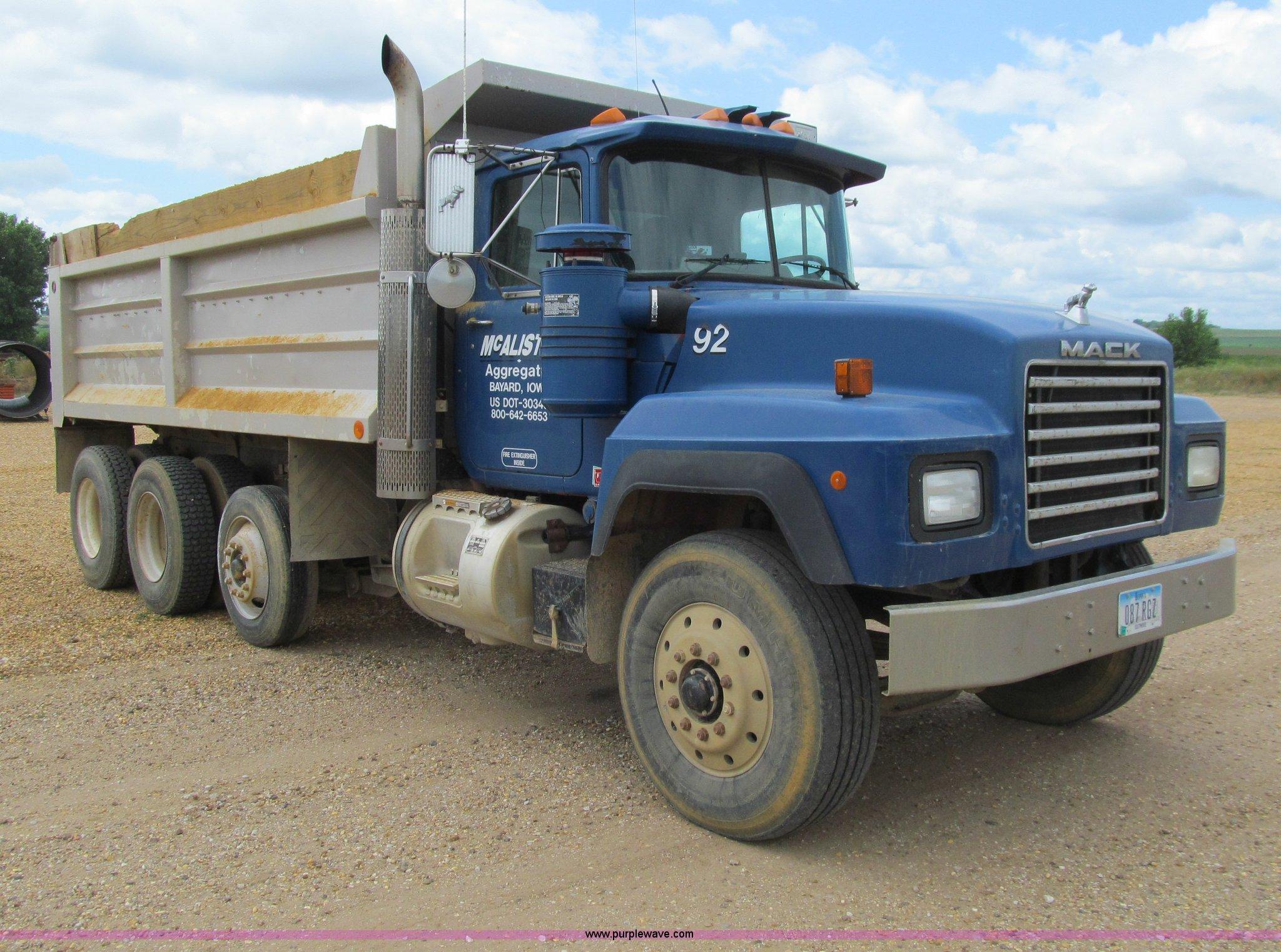 Mack Dump Truck Trailer Wiring Diagram 1992 Rd688s Item E4932 Sold September 2 Construction And