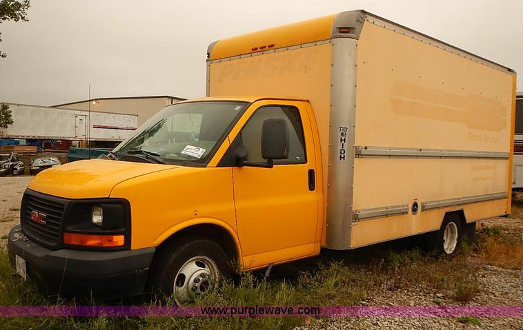2005 Gmc Savana G3500 Box Truck Item I3604 Sold October