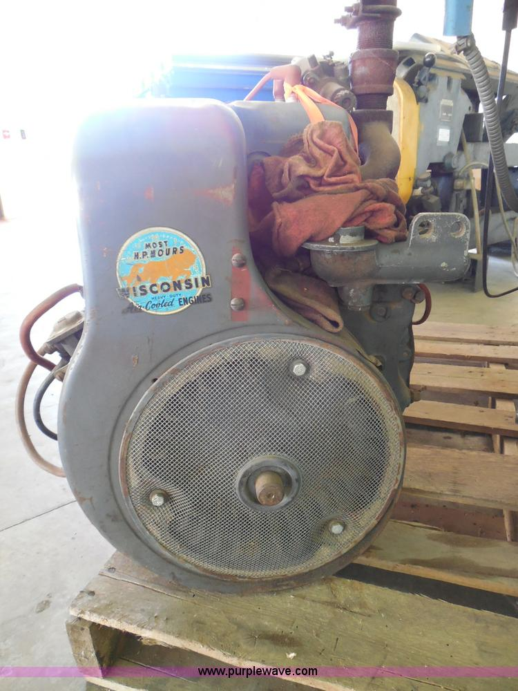 Wisconsin THD engine | Item BE9960 | SOLD! October 7 Governm