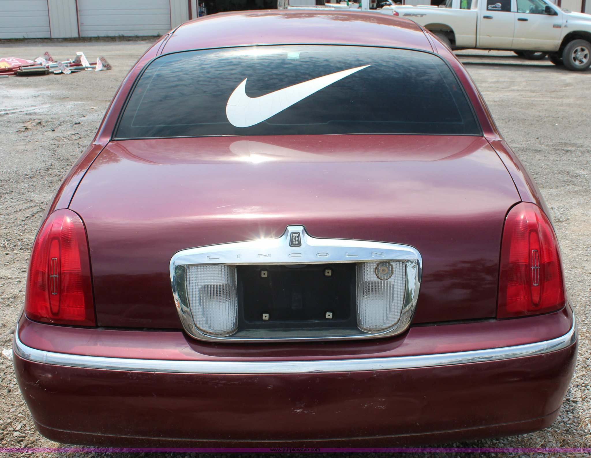 1998 Lincoln Town Car Cartier Item J2117 Sold October 7
