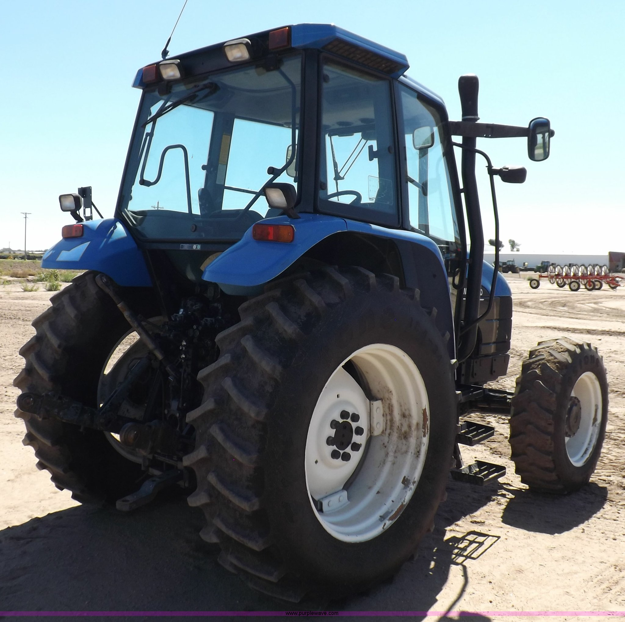 ... Holland TS110 MFWD tractor Full size in new window ...