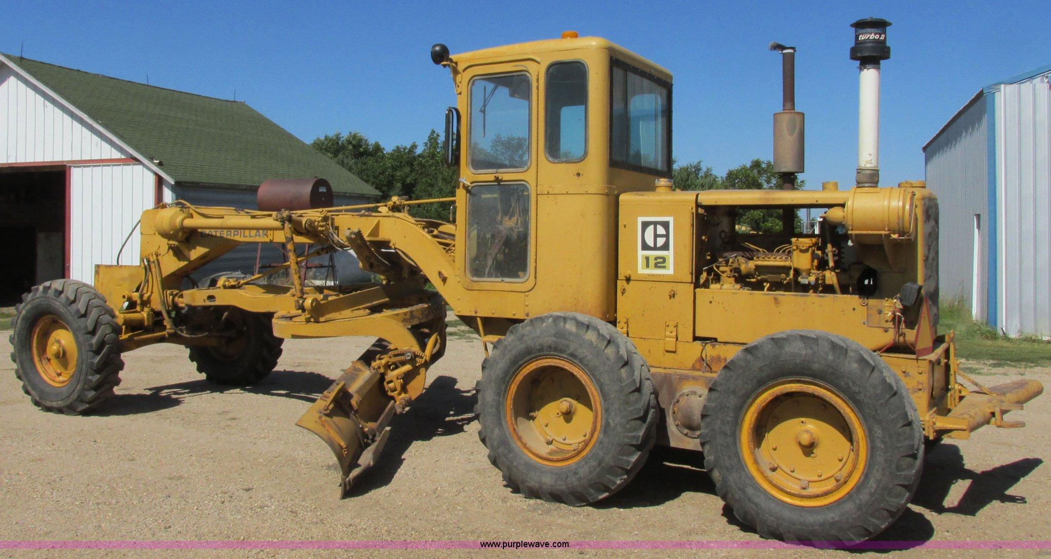 1967 Caterpillar 12F motor grader | Item I6133 | SOLD! Octob
