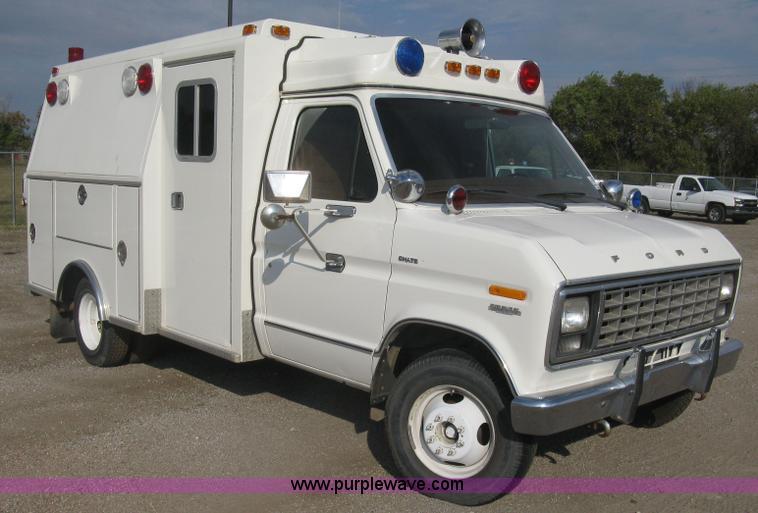 1981 Ford Econoline E350 Chateau Ambulance