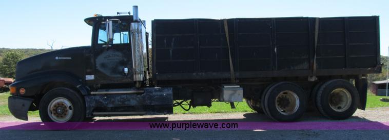 1990 International 9400 Eagle grain truck | Item G6505 | SOL