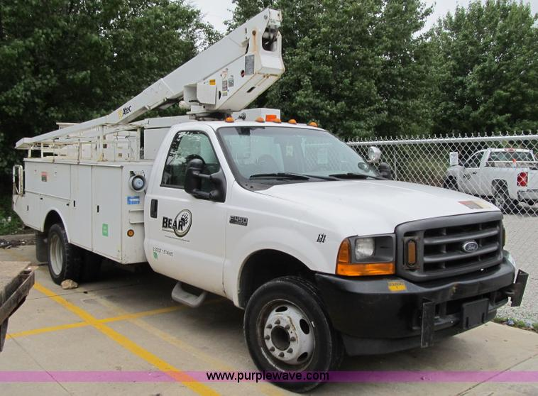 2001 ford f450 super duty xl bucket truck no reserve auction on thursday november 06 2014. Black Bedroom Furniture Sets. Home Design Ideas
