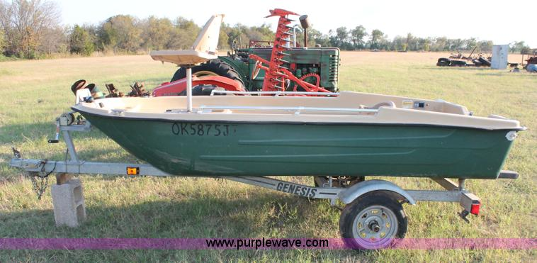 2002 Sun Dolphin boat | Item H5562 | SOLD! November 12 Vehic